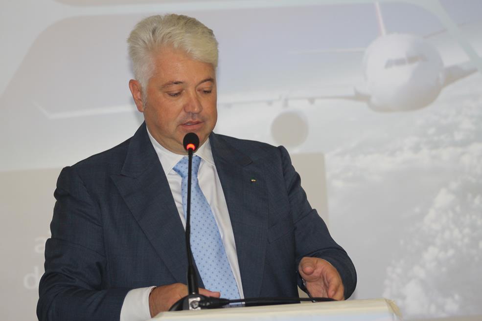 Trasporto aereo : aiutiamo la campania a decollare verso un Futuro migliore